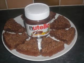 Print Nutella Flapjacks Author: Emma Harris Prep time:  10 mins Cook time:  20 mins Total time:  30 mins Serves: 8   Ingredients 150g butter, plus extra for greasing 50g golden caster sugar 2 big dollops (technical term = tbp) of Nutella 4 tbsp golden syrup 275g rolled oats Instructions Preheat the oven to 190°C/fan170°C/gas 5. Grease and…