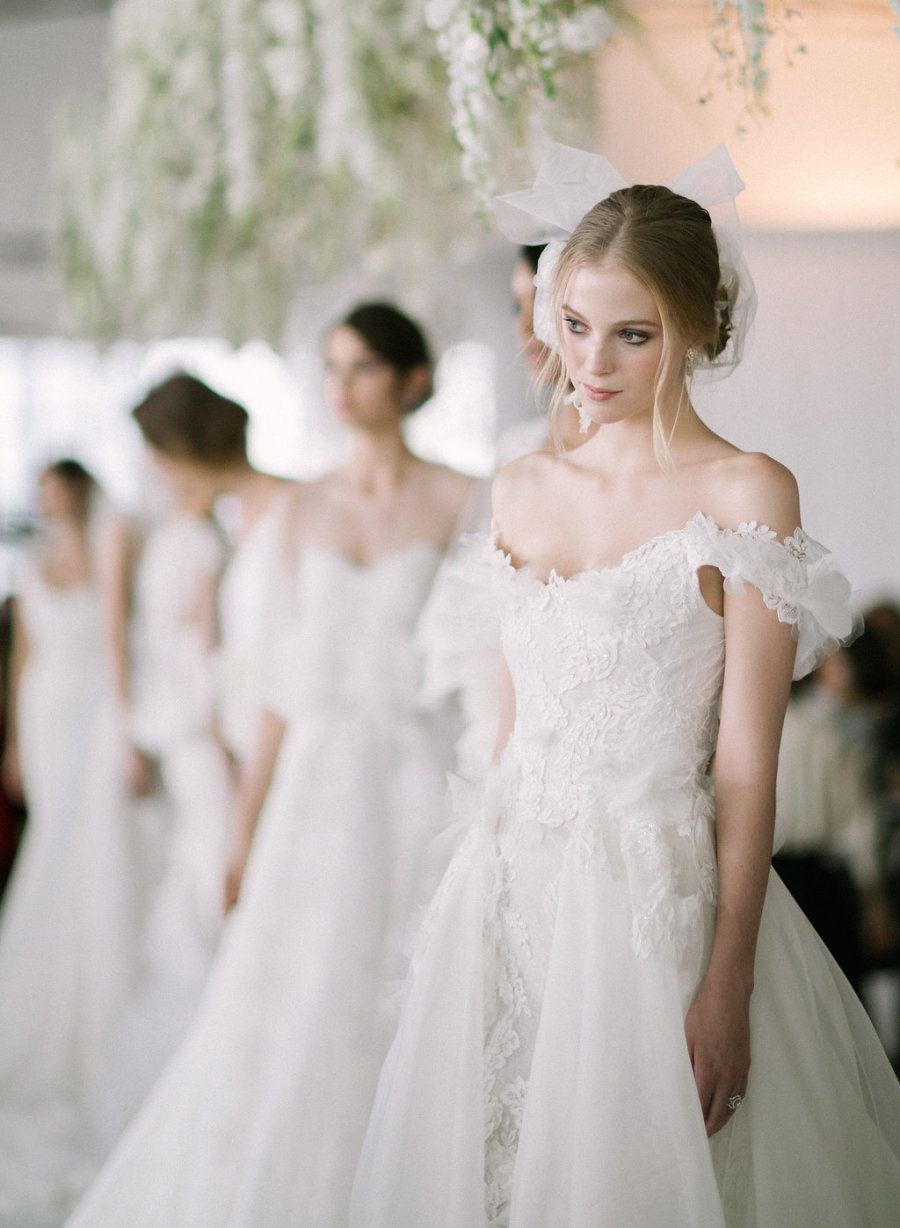 Get a closer look at marchesaus ohsodreamy fall bridal
