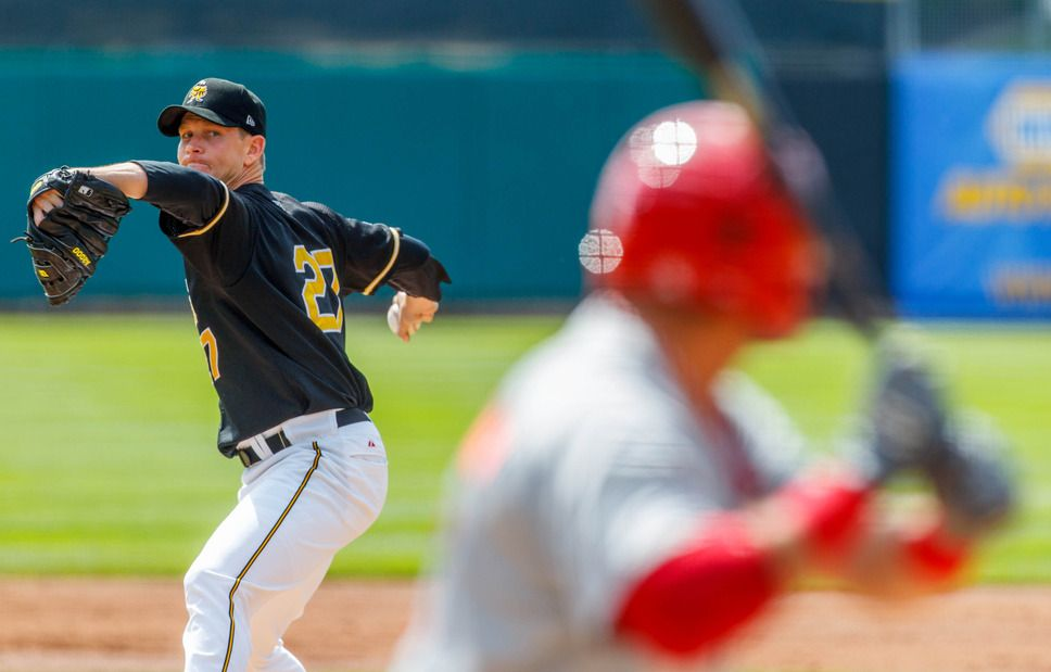 Salt Lake Bees pitcher Kip Wells delivers as the Bees take