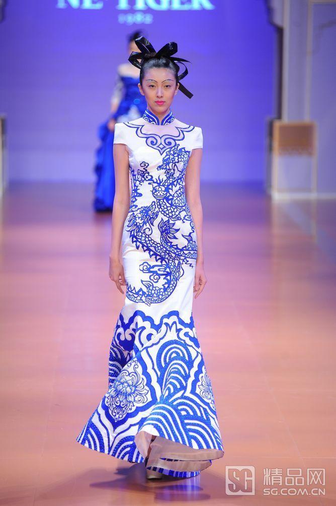 "NE•TIGER 2014""大 元""高级定制华服发布会-精品网   Fashion: White Blue ..."