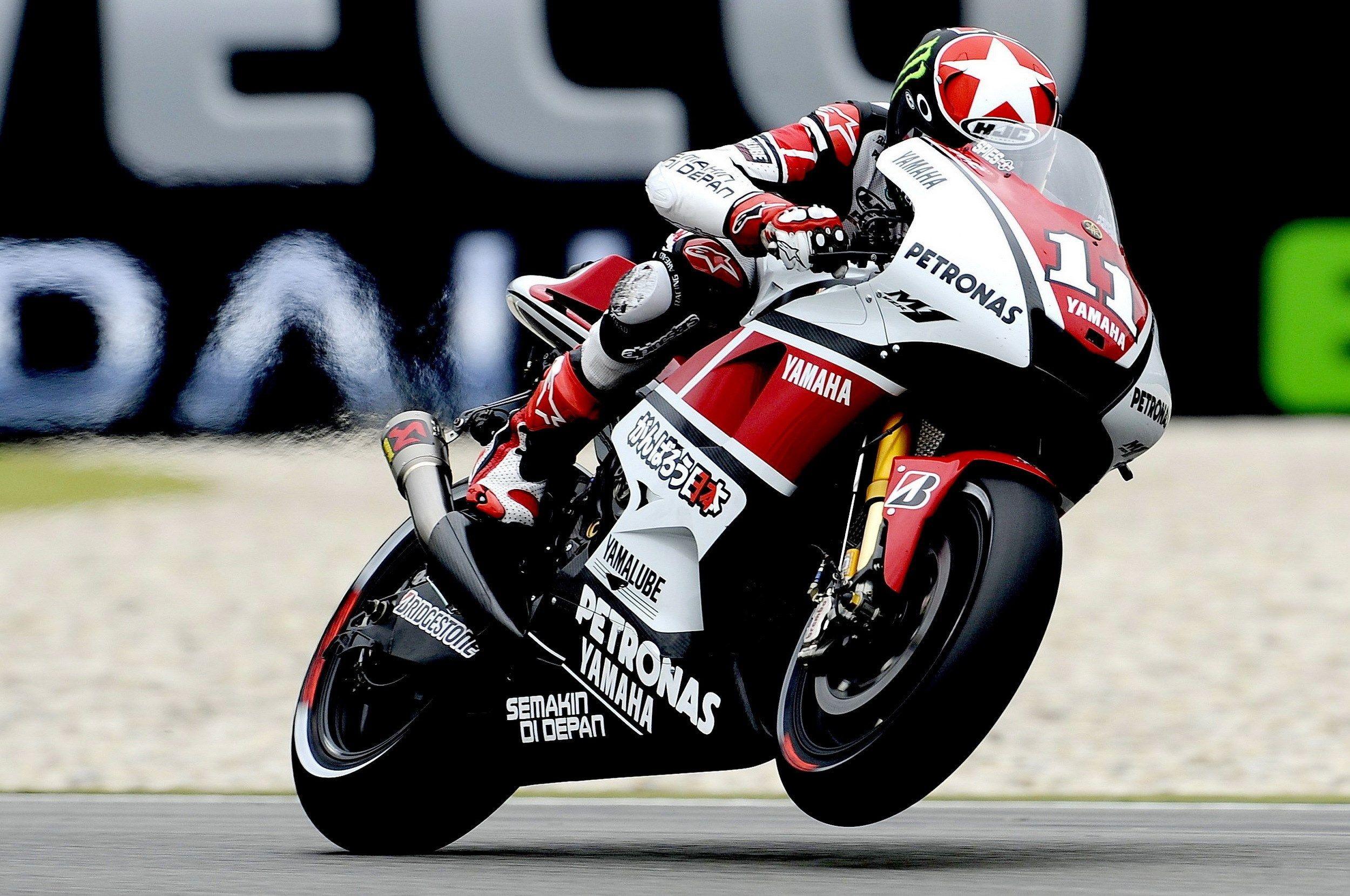 Wallpaper Desktop Motorcycle Racing With Images Yamaha Sport