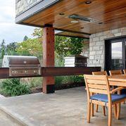 Patio Snapshot: Simple, Modern Outdoor Living in Houston
