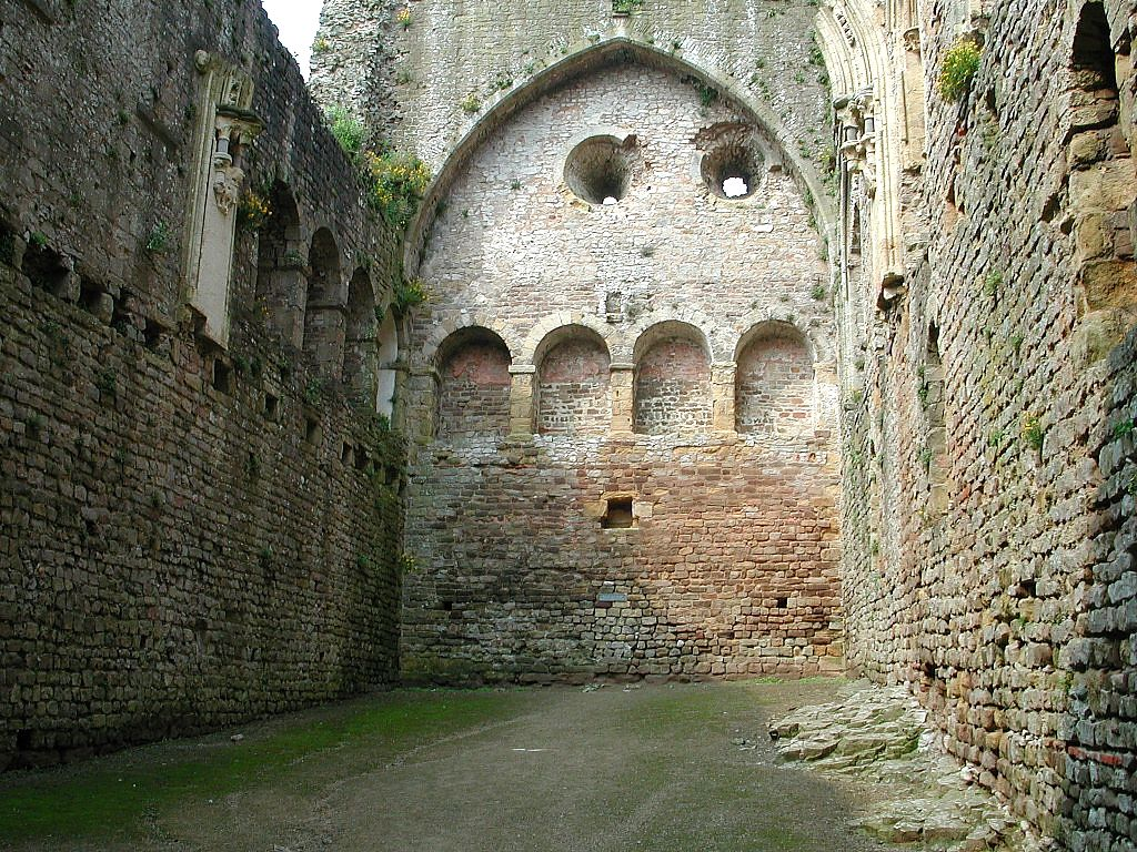 the hall was principal living quarters of a medieval castle or house the great tower