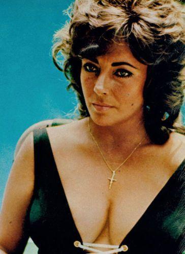 Szczegóły o ELIZABETH TAYLOR SUPER BUSTY 1960S PHOTO
