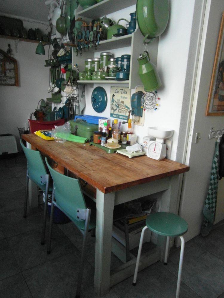 Veel groen in de keuken en allemaal oud.....