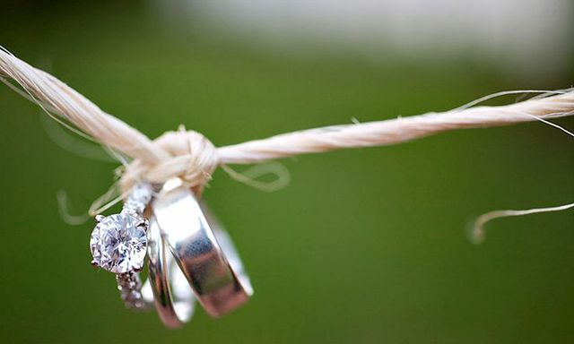22 unique must have wedding ring shots mon cheri bridals - Creative Wedding Rings