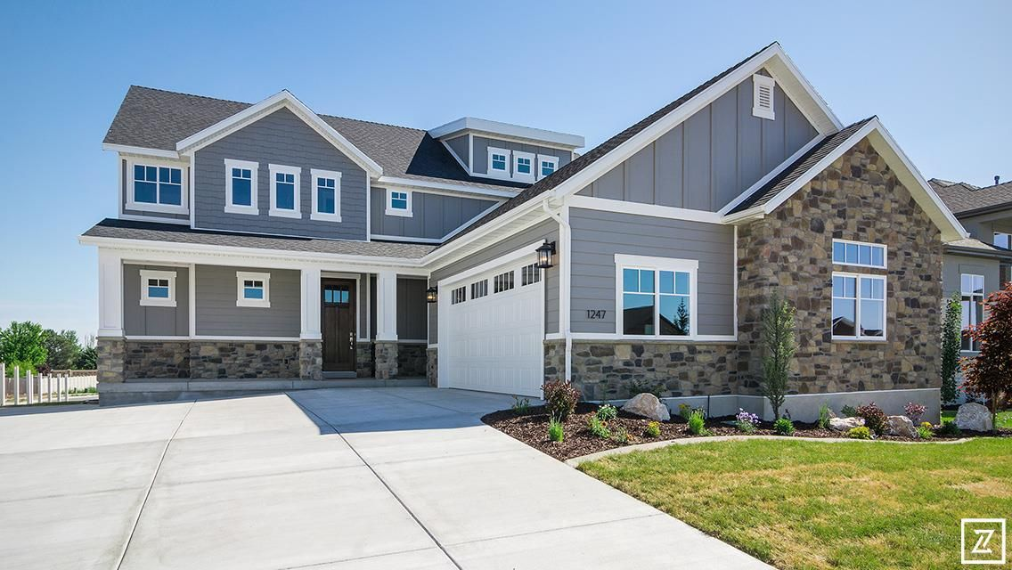 Craftsman Style Home With Hardyboard Board And Batton