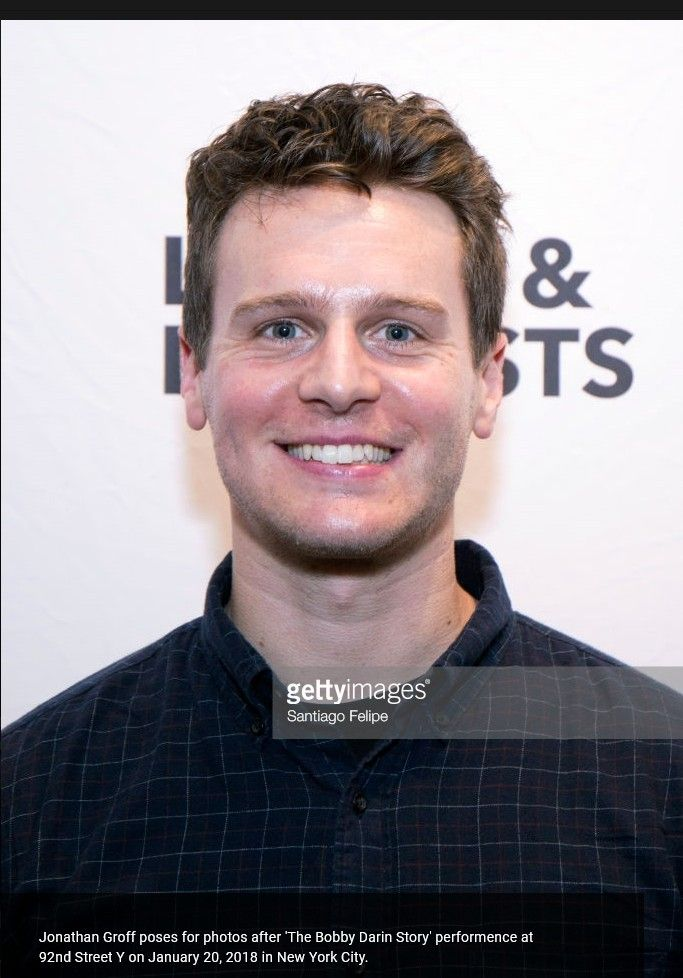 jonathan groff - photo #40