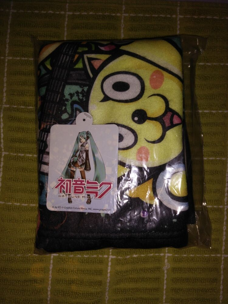 Hatsune miku mini travel blanket loot crate anime travel