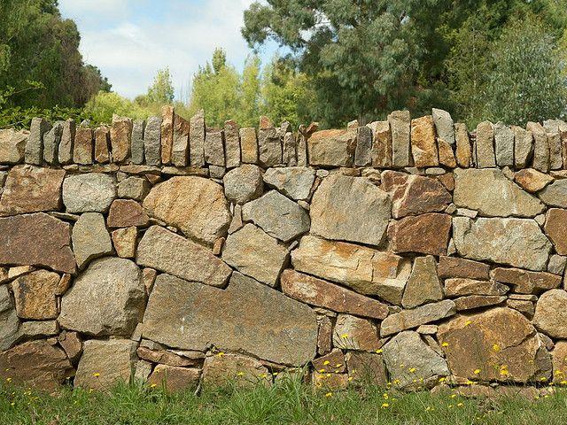 Gardens Piedra, Piedra seca y Muro de piedra