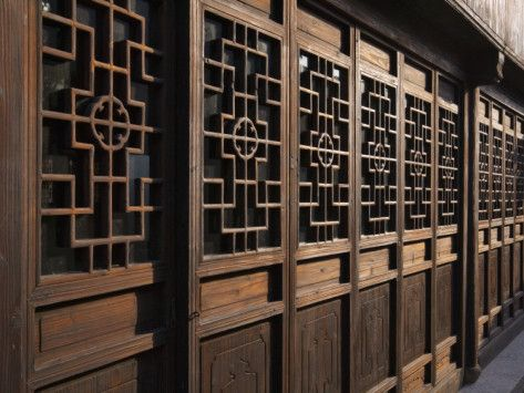 China Shanghai Zhujiajiao Carved Wood Screen Door In The Water Town Photographic Print Keren Su Allposters Com Wood Screen Door Screen Door Diy Screen Door