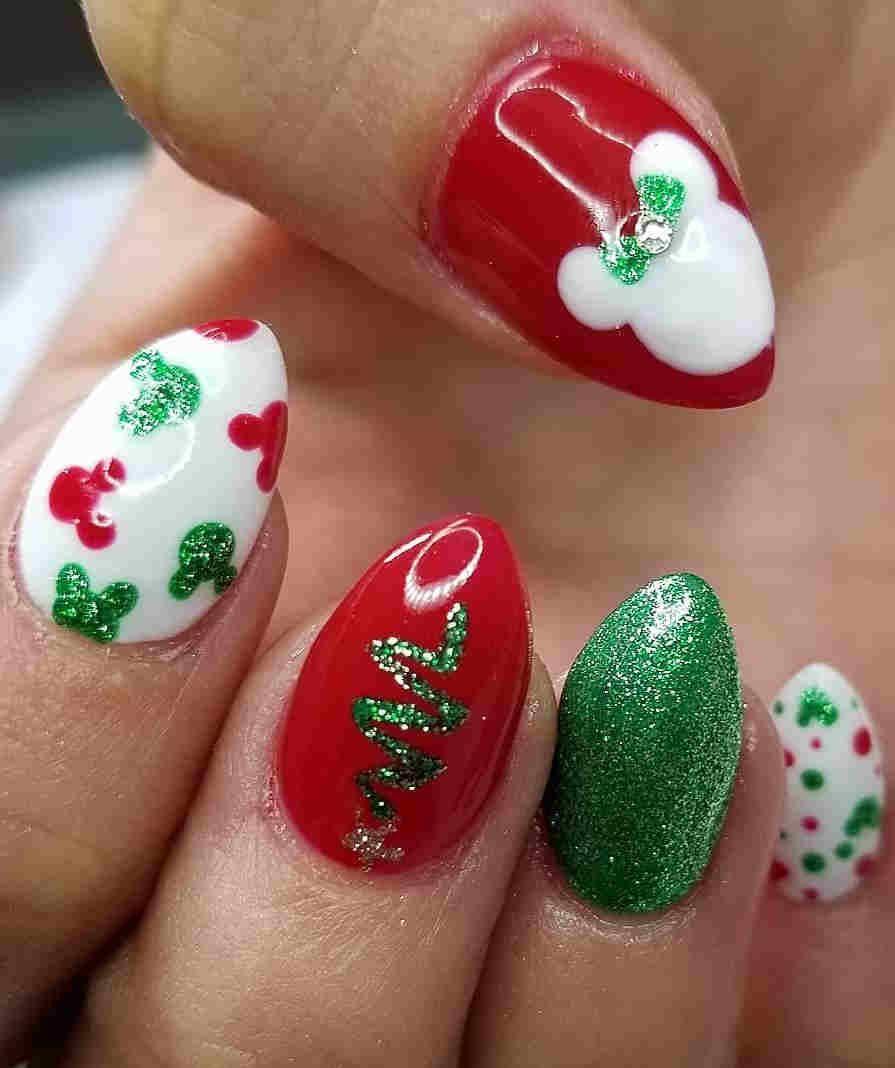 36 Easy Glitter Nail Designs For Christmas Holiday Disney Nail Designs Nail Art Disney Christmas Nail Designs