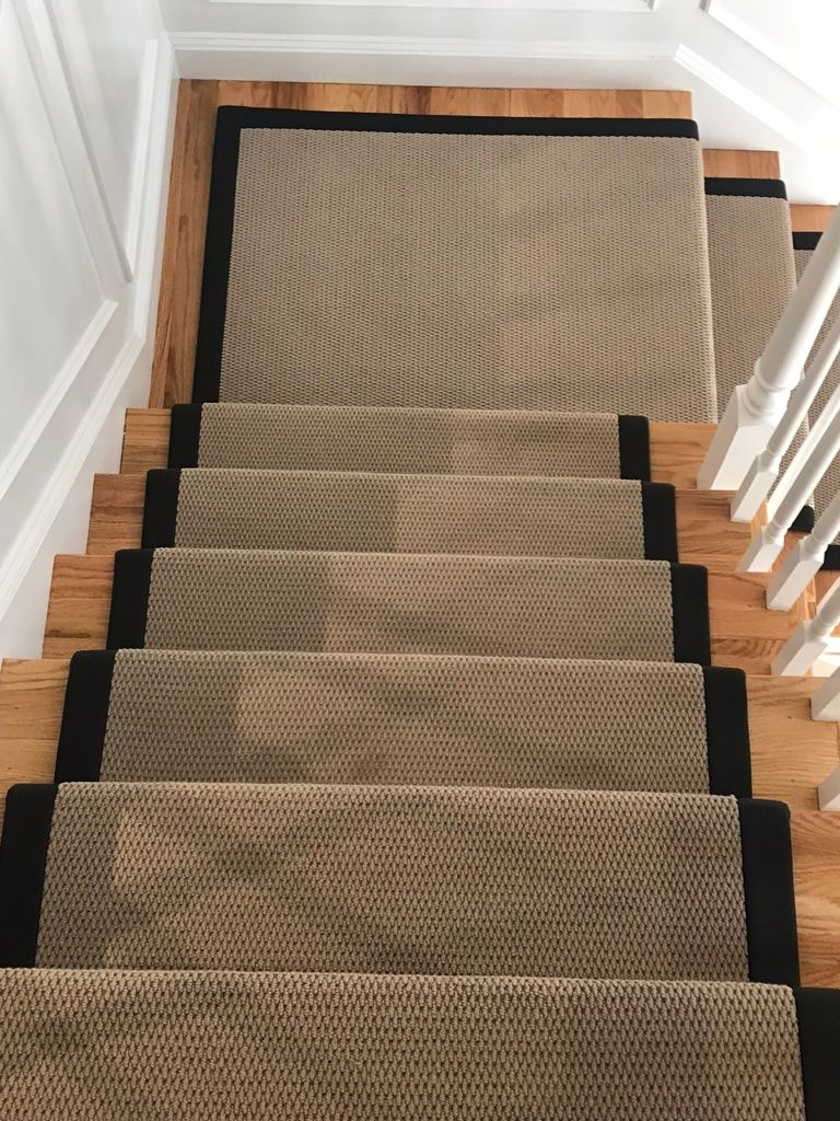 Neutral Carpet Can Still Be Extremely Effective In Standing Out If You Put The Right Binding On It A Simple Stair Runner Carpet Carpet Runner Neutral Carpet