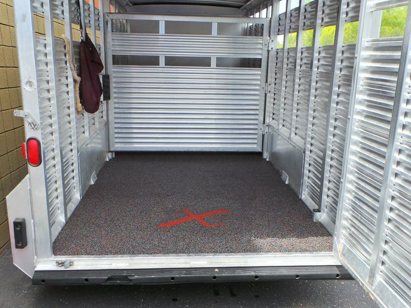 How To Replace The Floor Of A Horse Trailer Horse Trailer Fifth Wheel Trailers Trailer