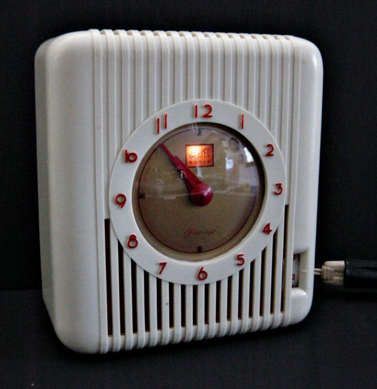 Kitchen Clock And Radio.