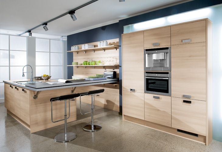 Küche in hellem Holz #Holzküche #Kücheninsel wwwdyk360-kuechende