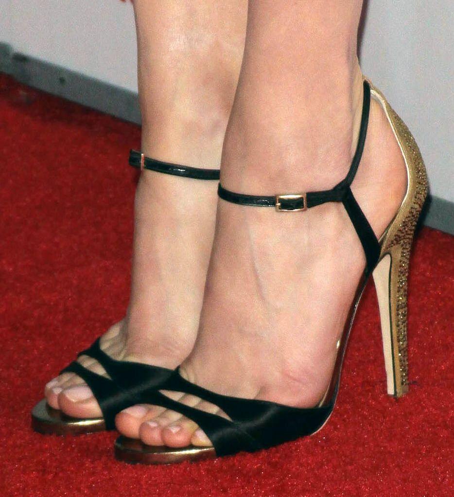 Feet & Shoes (3363)