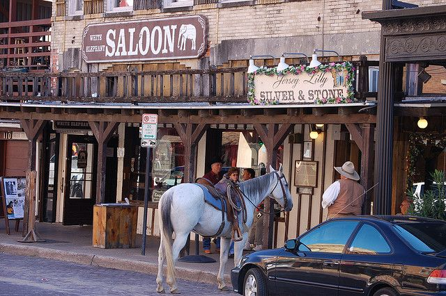 White Elephant Saloon Horse Parking With Images Fort Worth