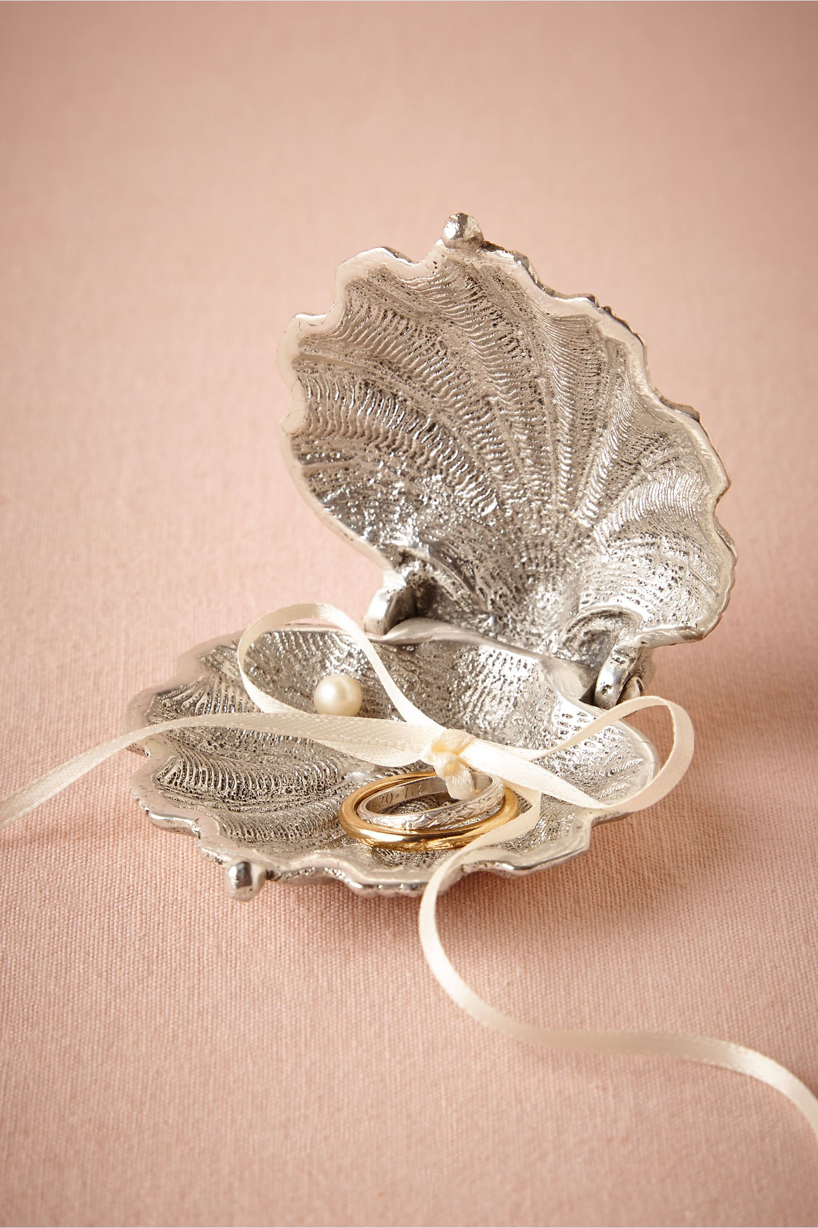Silvery Seashell Ring Holder In D�cor Ceremony At Bhldn I Always Say My Heart Is The Pearl Formed Under Great Pain And Irritation But A Precious Gem: Beach Wedding Little Ring At Websimilar.org