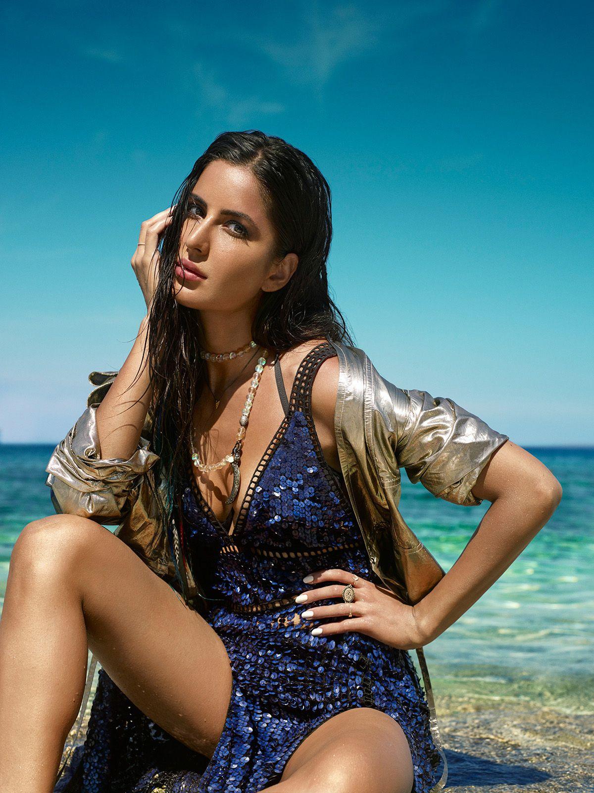 Bollywood actress katrina kaif in bikini