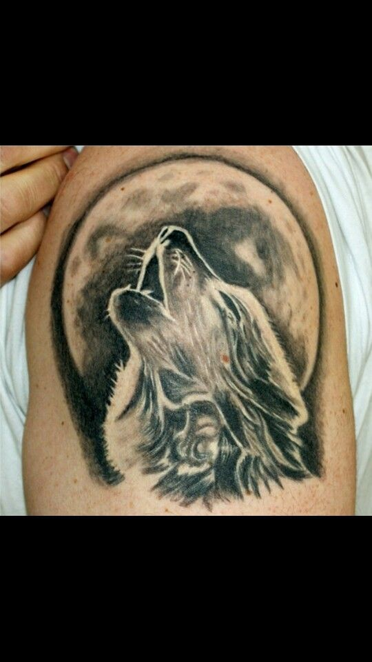 Howling Wolf Tattoo Google Search Animal Tattoos Wolf And Moon Tattoo Howling Wolf Tattoo