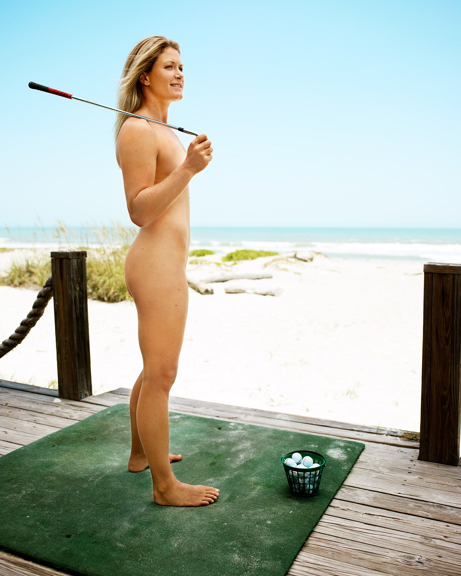 naked (55 photo), Cleavage Celebrity photo