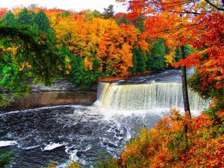 Great Falls Wallpapers Hd Widescreen Tahquamenon Falls Waterfalls Wallpaper Id 1240172