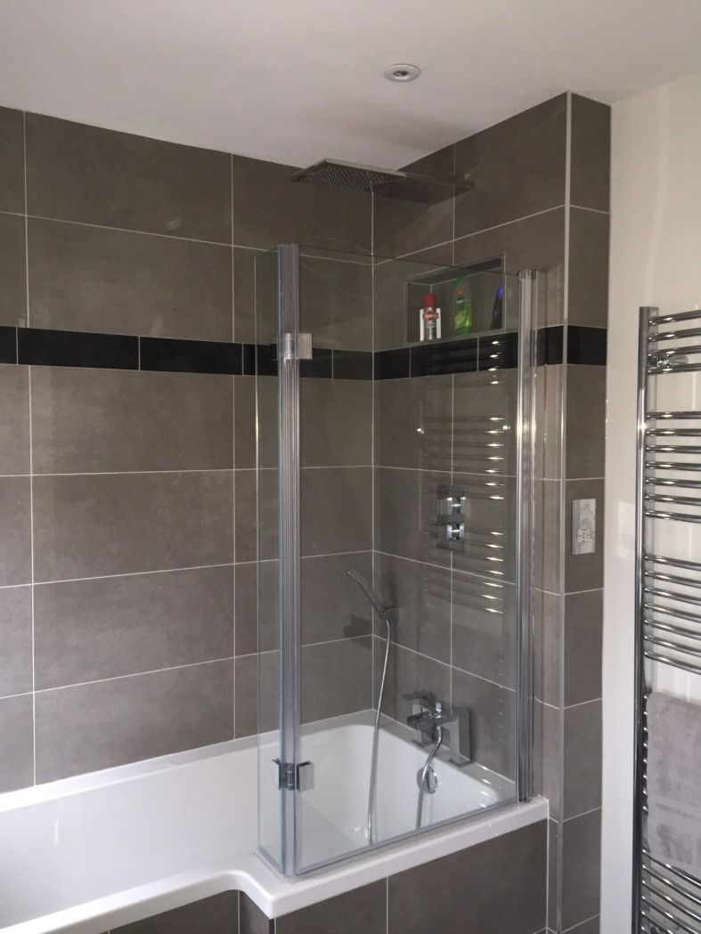 Vpshareyourstyle James From Hayes Made A Shelf Dug Into The Wall To Store His Toiletries When Showering Home Projects In 2019 Bathroom Small Bathroom S