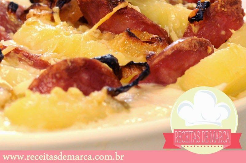 Receitas de Marcas Famosas: Batatas Gratinadas Aceboladas e com Linguiça Calabresa