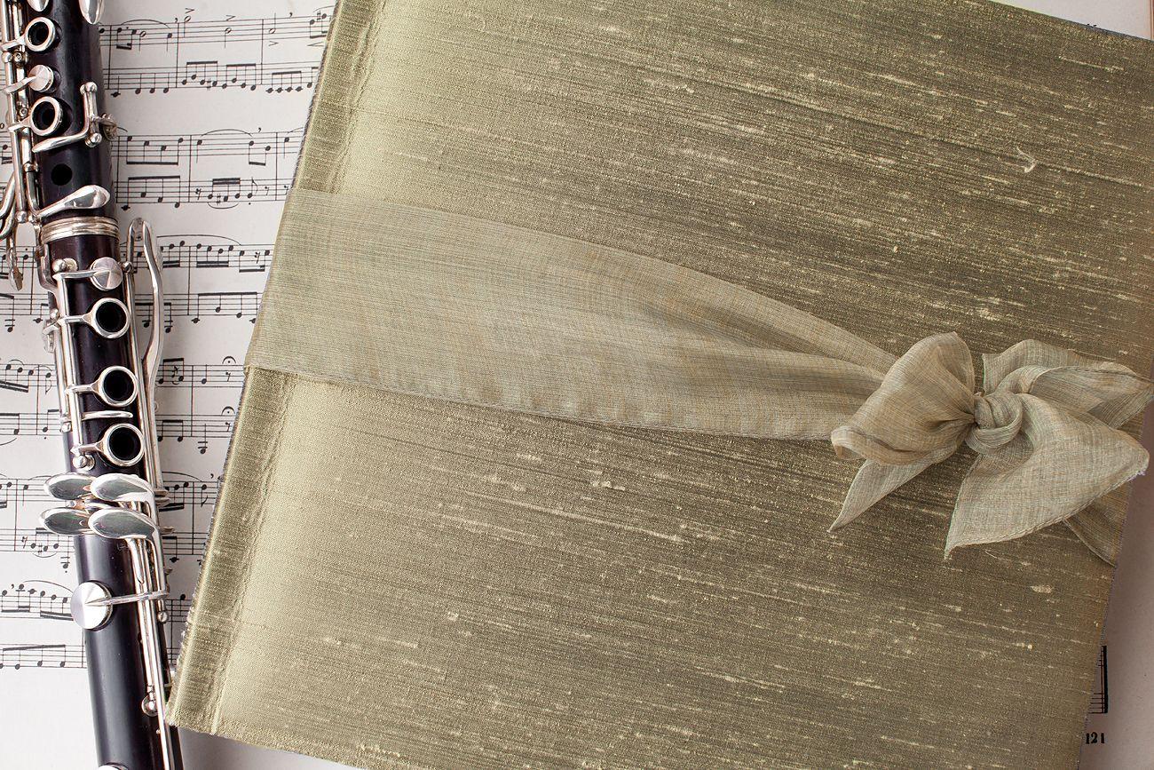 Album in shantung di seta verde