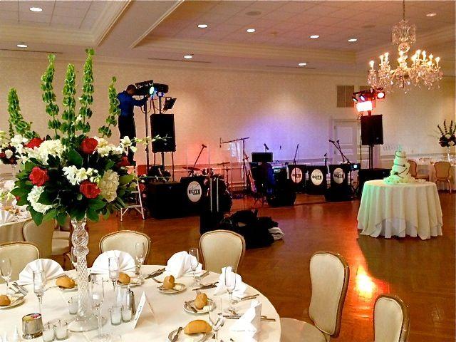 Pittsburgh Field Club Wedding Fox Chapel Elite Show Band Setting Up Www Eliteshowband