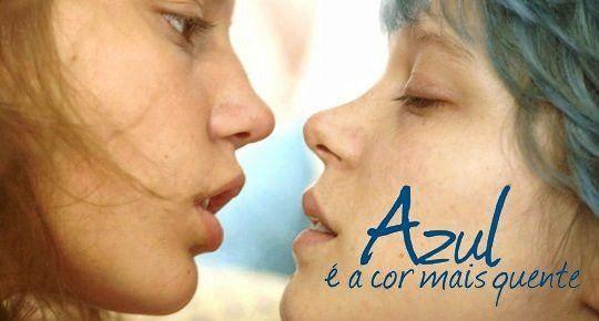 """Azul é a Cor Mais Quente e Flores Raras são filmes, cuja a trama principal gira em torno de romances lésbicos, de maior repercussão ao longo dos últimos anos. Interessante, no entanto, é que apesar de terem sido aclamados pela Mídia e pelo público, em geral, como """"lindos romances homossexuais"""", ambos mostram relacionamentos extremamente machistas…"""