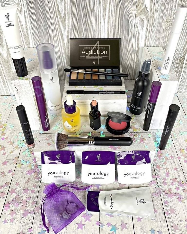 2020 Christmas Younique Presenters Kit New 2020 Presenter kit updated products! in 2020 | Presenters kit