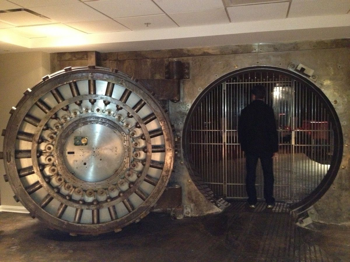 so thereu0027s a bank vault in the basement of my momu0027s new apartment building