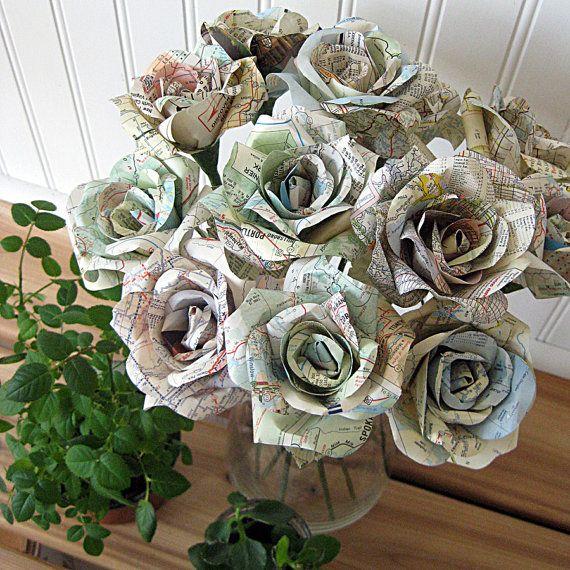 One Dozen Map Roses By Ecotwist Avec Images Rose En Papier