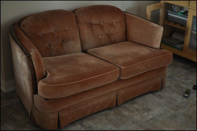 Old fashioned sofas sale 92