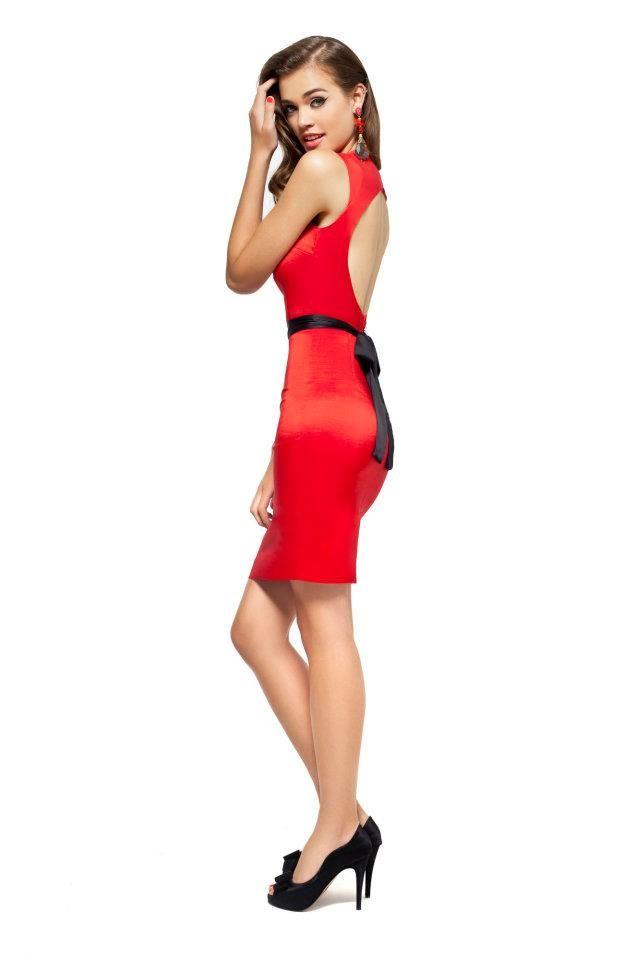 80e350265 Las Oreiro Vestido Tarsilla rojo   Zapato Mimma negro