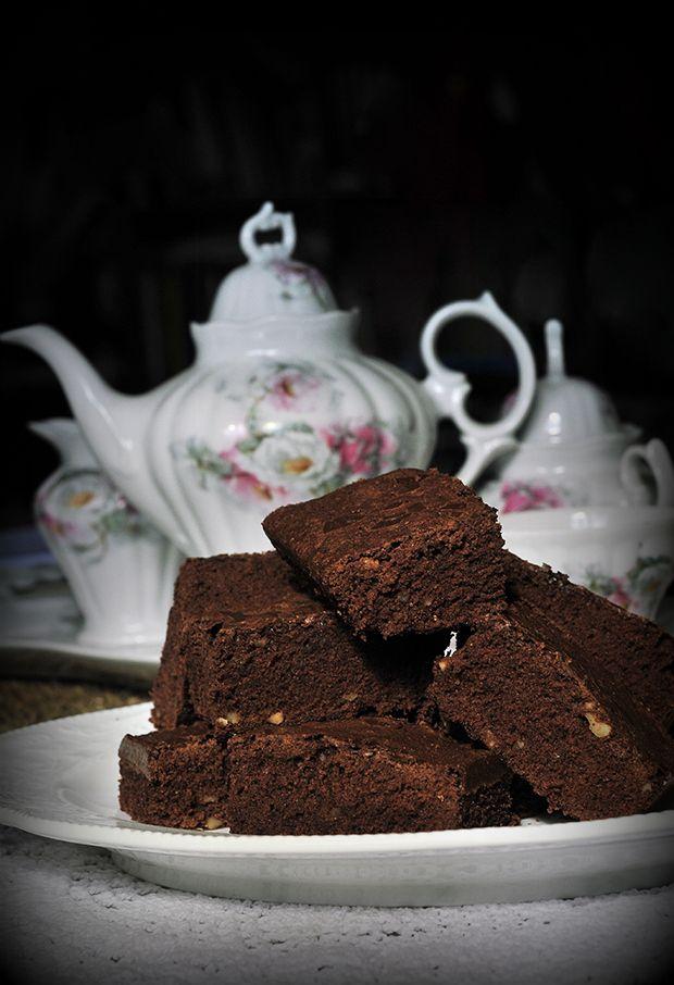 Brownie de rooibos y canela http://soledadfelloza.com/la-caja/index.php/brownie-de-rooibos-y-canela/
