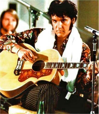 Elvis - love that serious look !!!