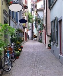 au pair in Switzerland old cobble stone alley in Predigerstrasse in Zurich