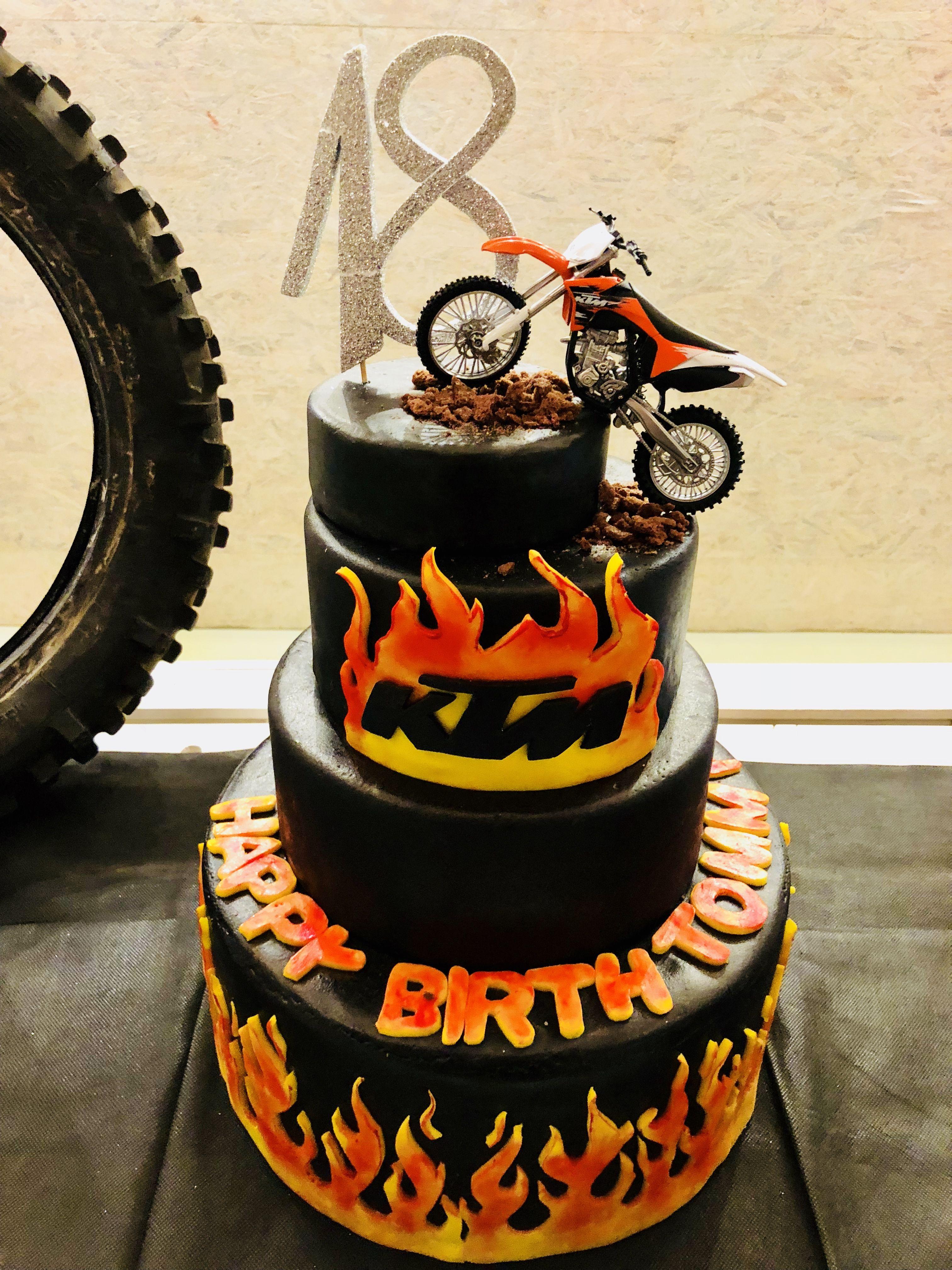 Ktm Cake Moto Compleanno Pinterest Diseos De Tartas Y Tartas