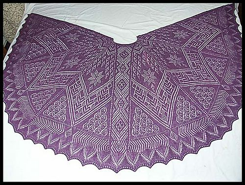 """Dem Fischer sin Fru"" knit lace shawl in merino wool lace weight yarn (pattern by Monika Eckert)"
