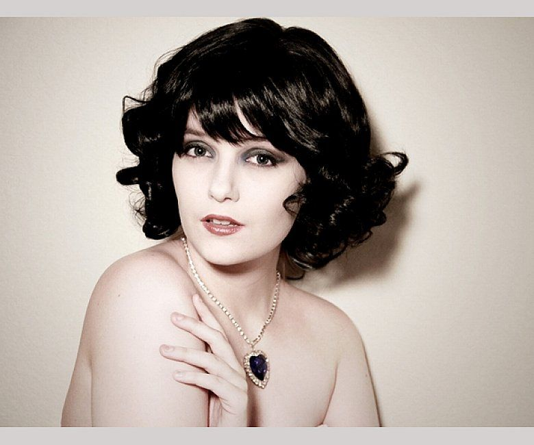 beautiful short curly bob hairstyles with side bangs for