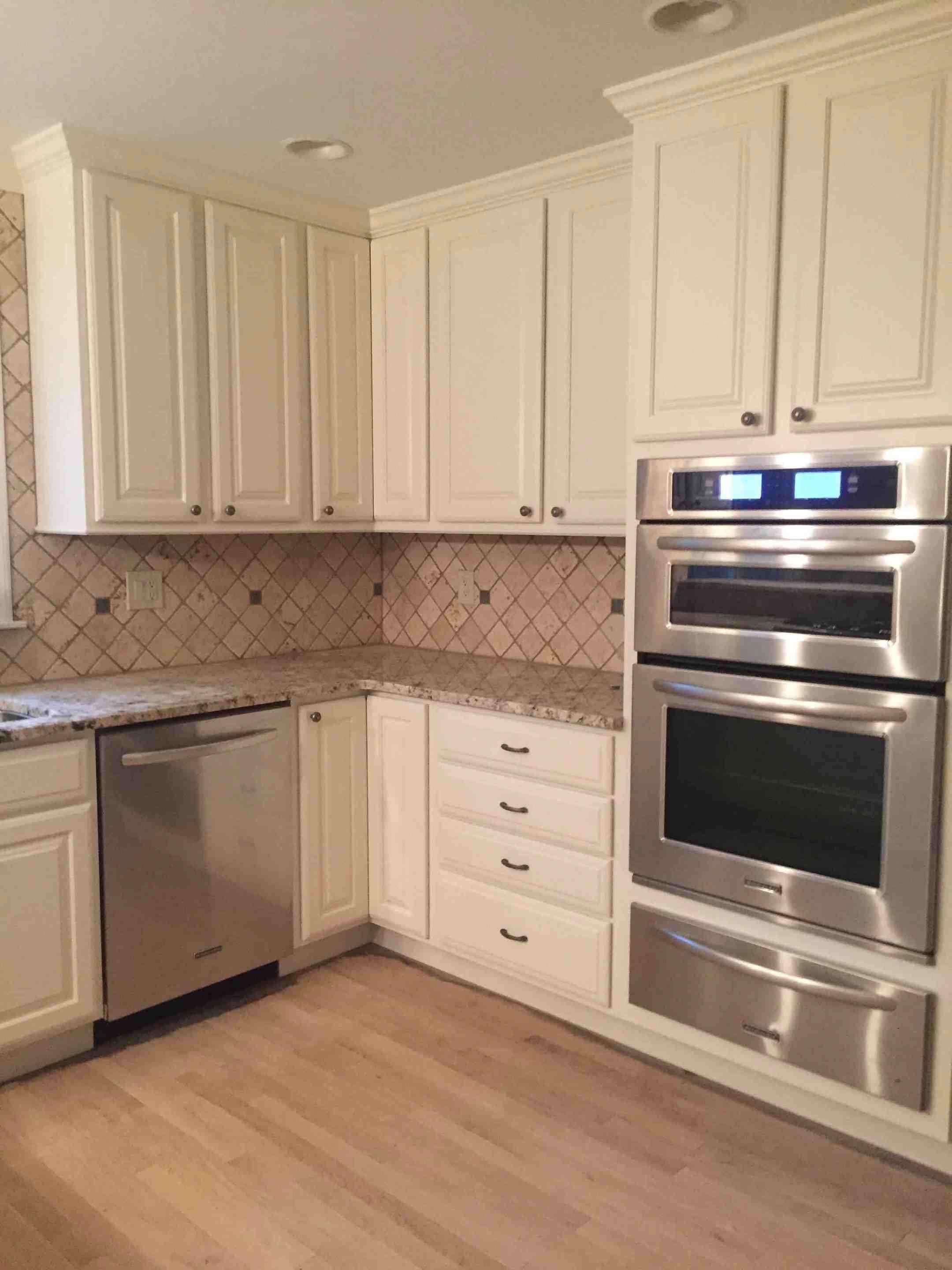 This Unique Keyword Is Certainly An Interesting Style Philosophy Paintingkitchencabi Painted Kitchen Cabinets Colors Beige Kitchen Beige Kitchen Cabinets