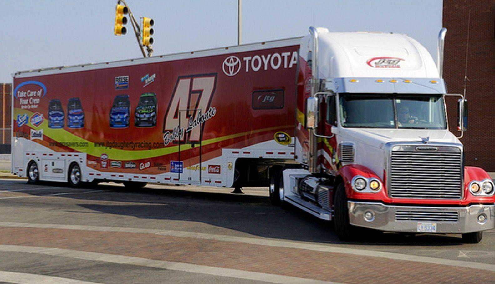 Toyota Freightliner Hauler Nascar Transporter Race