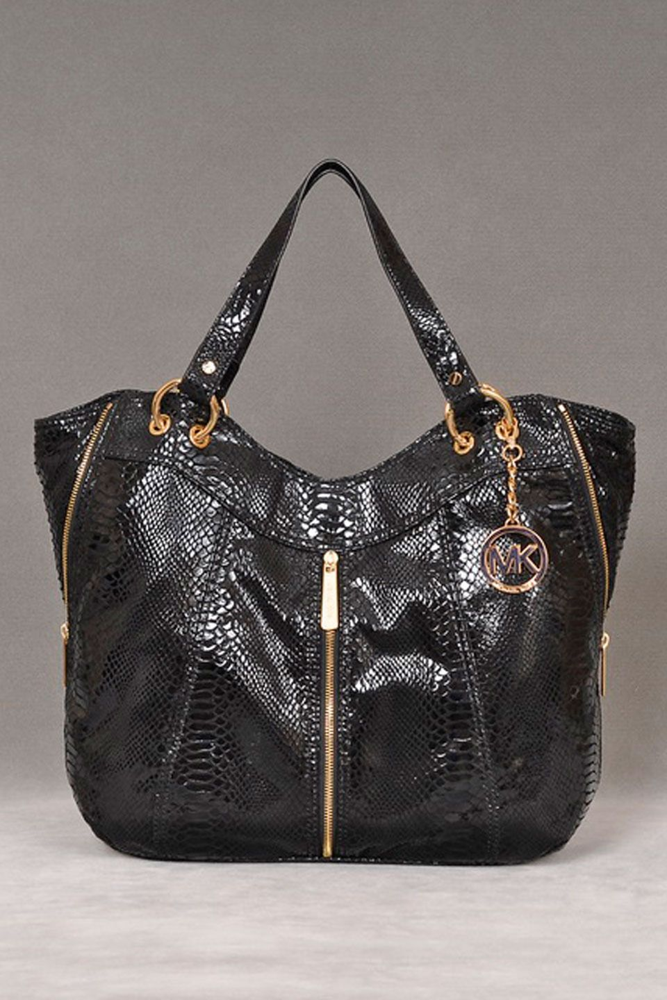 364b2bb6e455 Michael Kors Moxley Shoulder Tote In Black | Your Pinterest likes ...
