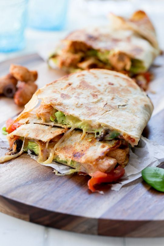 foodierecipes2016:  foodsforus:    Barbecue Chicken Pizzadilla (Pizza Quesadilla)    Submit your recipes to Tasty Gallery!