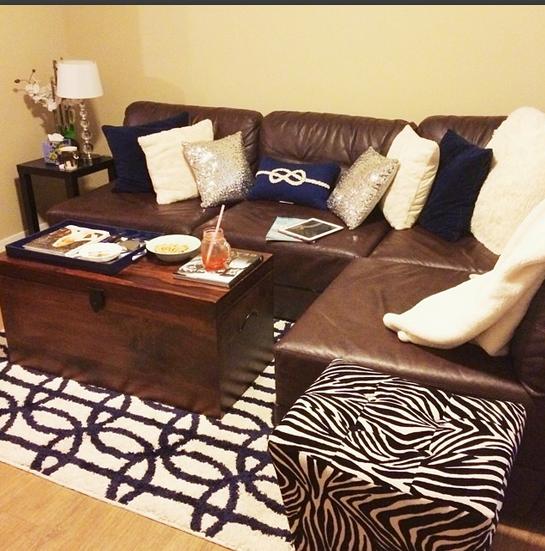 Navy, White, & Silver Living Room #livingroom #home #homedecor #apartment