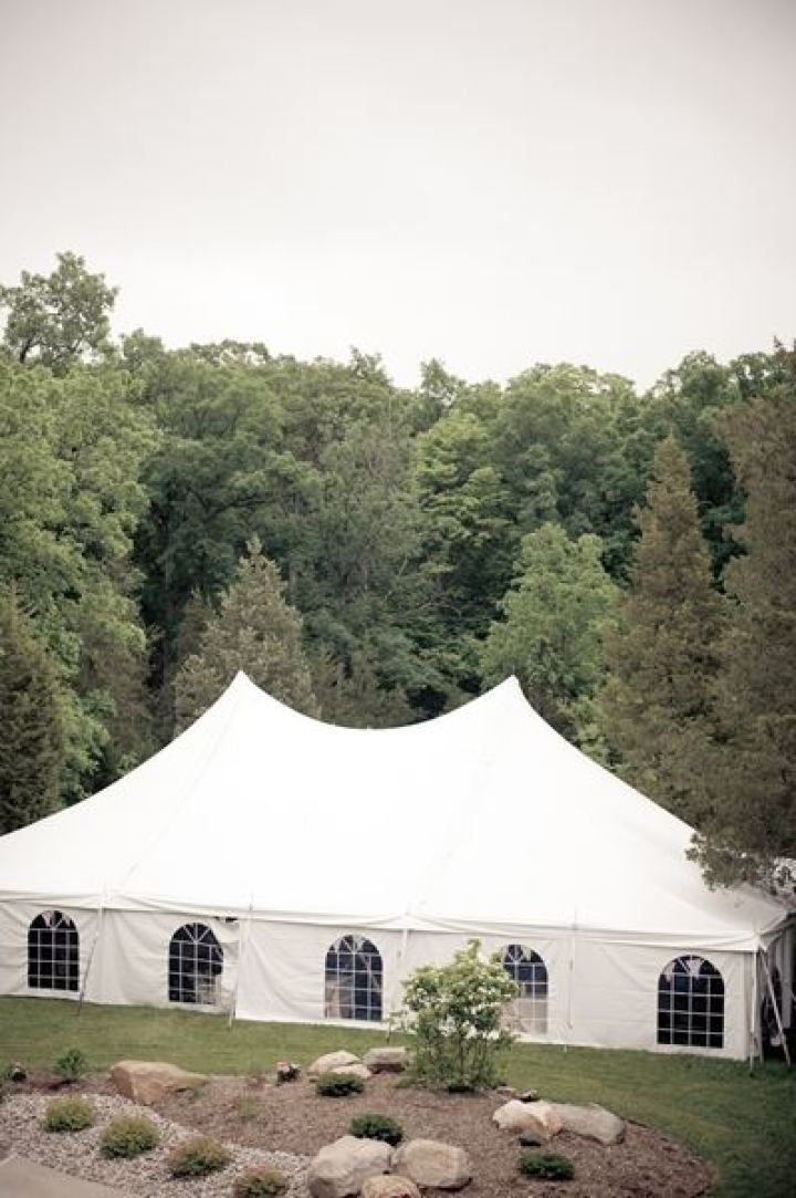 Rustic wedding reception under tent | fabmood.com #farmwedding #rusticwedding #weddingideas #weddinginspiration #rustic