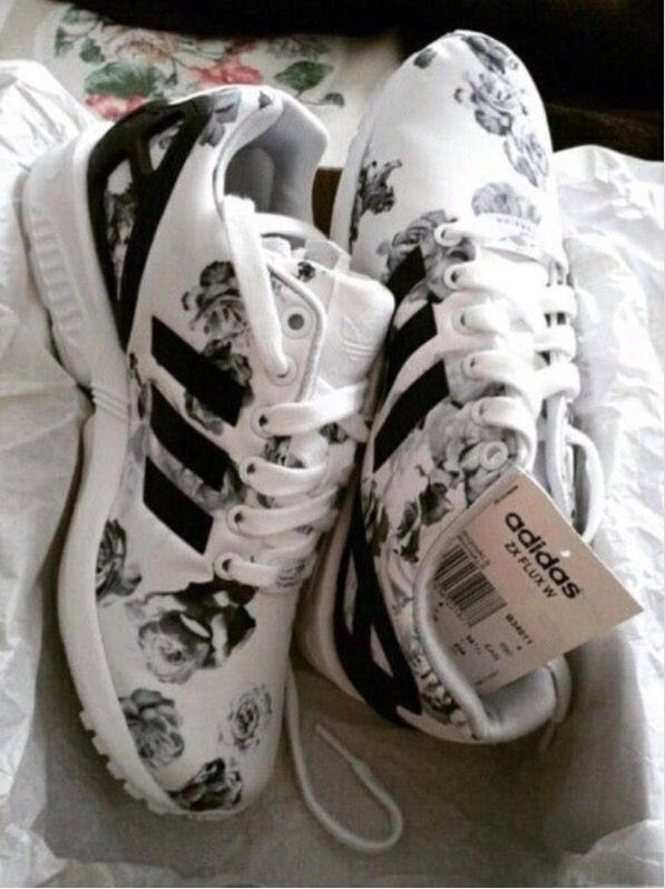 Adidas ZX flux black gold | Sapatilhas adidas, Sapatos fofos